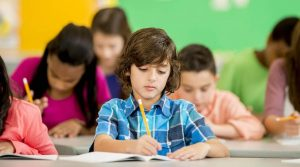 Okula Uyum Problemi Çeken Çocuk